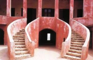 Maison des esclaves sur l'île de Gorée au sénégal (le-senegal.net )