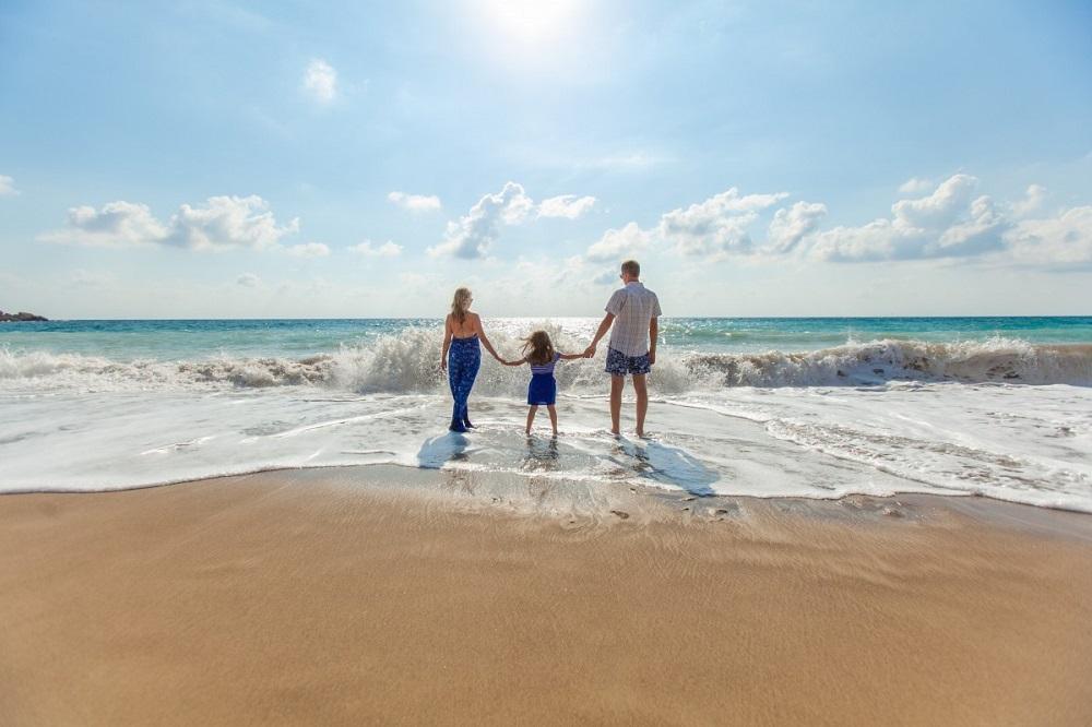 plage vacances d'été en famille